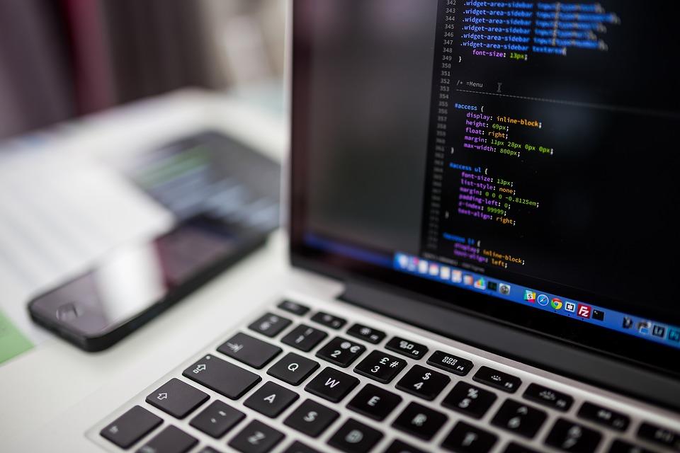 企业网站建设定制好后网站维护到底有多重要?